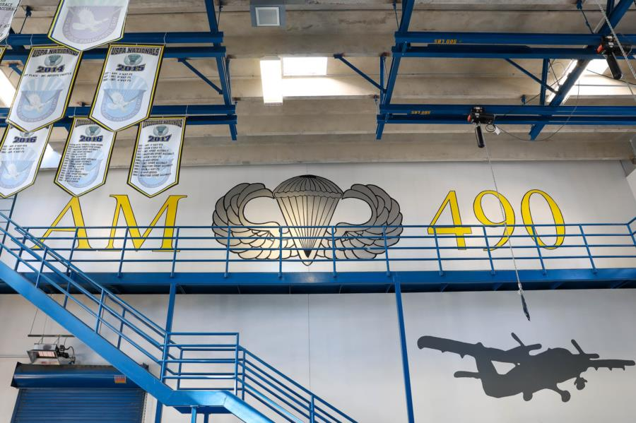 Jump AM-490 Ground Training